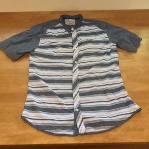 Men's shortsleeved button down shirt